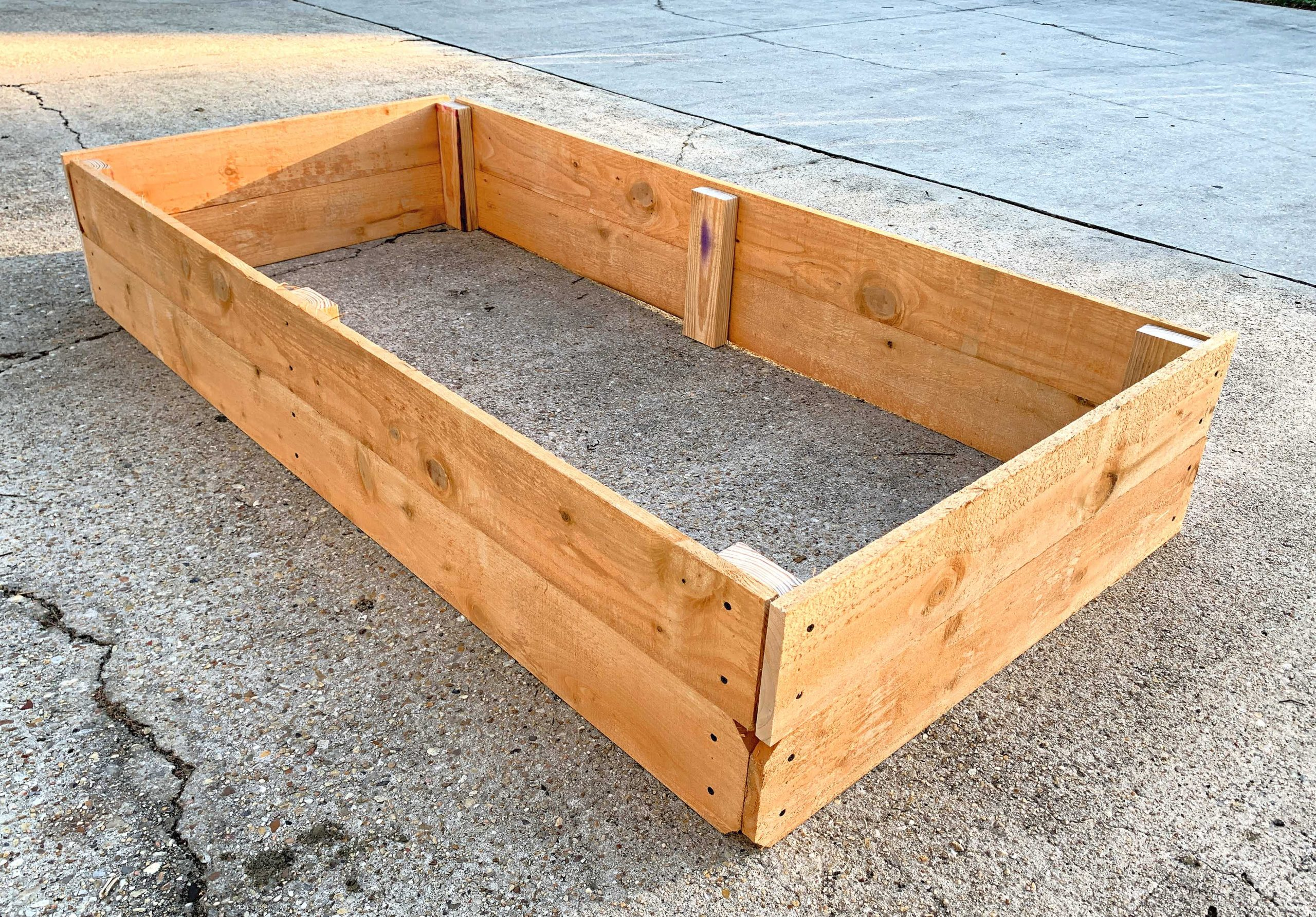 completed raised garden bed box